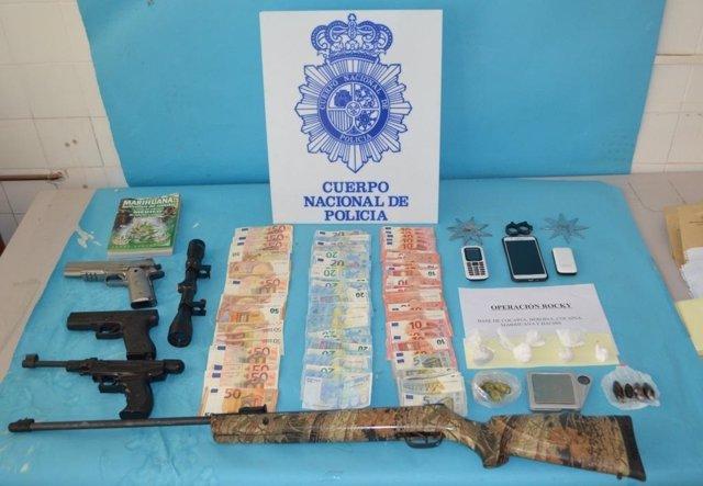 Material intervenido por la Policía Nacional en Linares (Jaén)