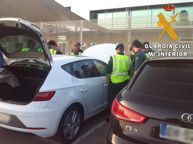 La Guardia Civil imparte un seminario sobre detección de vehículos robados