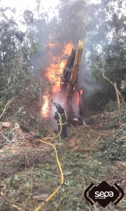 Incendio de procesadora de madera en Ribadedeva.