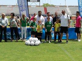 La clausura de la Copa Diputación reúne en Algeciras a más de 1.000 deportistas de 26 escuelas de fútbol