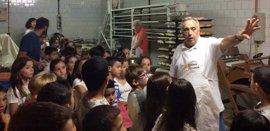 Más de 1.000 alumnos de Mallorca e Ibiza se apuntan a un programa sobre el tejido comercial de su municipio