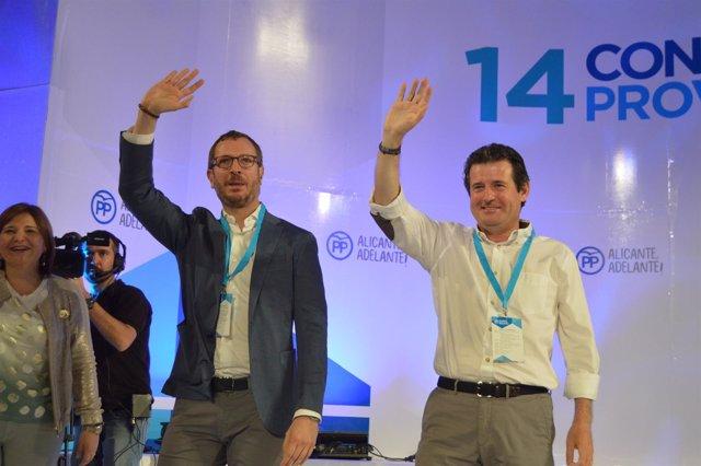 El revalidado presidente, junto a Javier Maroto