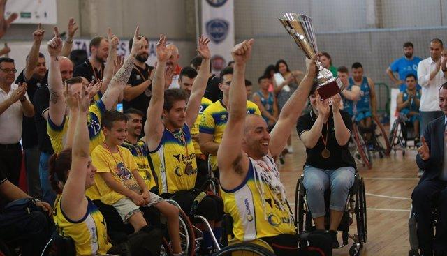 El CD Ilunion celebra su 16º título de Liga