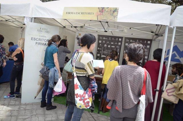 Uno de los puestos de la Feria del libro de Las Palmas de Gran Canaria