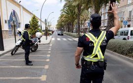 Policía Local y DGT inician este lunes campaña especial de tráfico para controlar las distracciones al volante