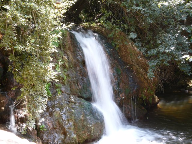 Las diez piscinas naturales m s impresionantes de espa a for Piscinas naturales sevilla