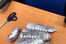 Detenida una mujer con droga adosada al cuerpo en el puerto de Tarifa (Cádiz)