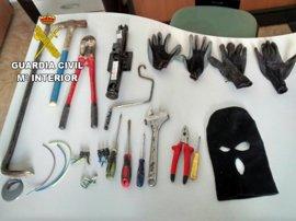 Dos detenidos por robar material de una obra al ser sorprendidos por un agente de paisano