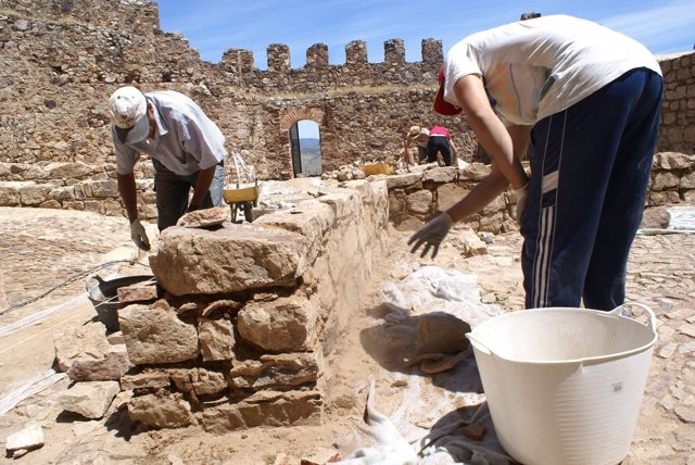 Trabajos de consolidación en el Castillo de Capilla