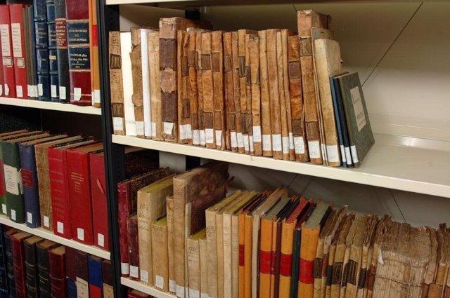 Documentos y depósitos del Archivo de la DPH.