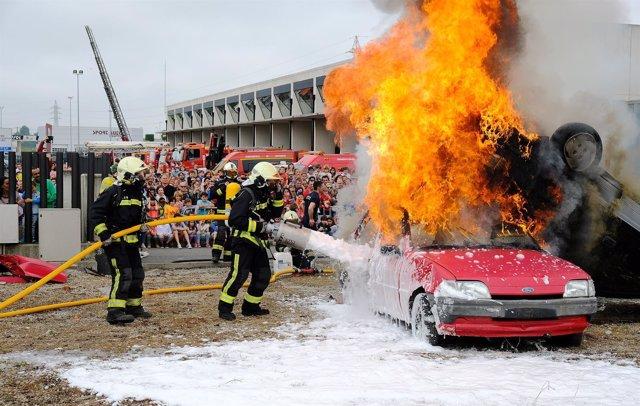 Jornada de puertas abiertas en el parque de bomberos de Santander