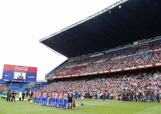 El Vicente Calderón echa el cierre con un final de leyenda