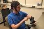 Foto: Pacientes con derrame cerebral consiguen mover las manos paralizadas con un dispositivo controlado con la mente