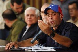 """Capriles dice que la protesta pacífica """"es la única lucha que va a dar frutos"""" en Venezuela"""