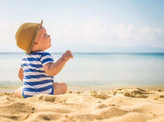 Bebé, playa, mar, verano