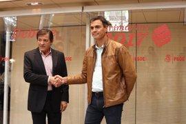 Pedro Sánchez hablará con Javier Fernández sobre la posición del PSOE en la moción de censura