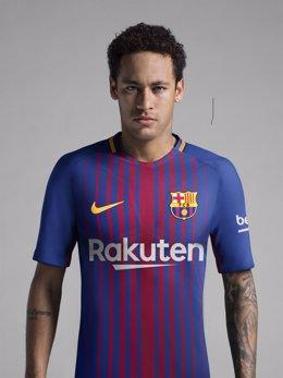 Neymar, con la camiseta del FC Barcelona 2017-18