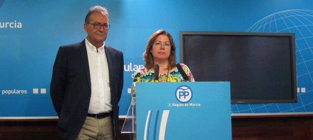 Visitación Martínez y el senador del PP, Pedro José Pérez