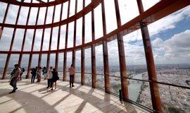 Hotusa abrirá en septiembre las 13 primeras plantas del hotel de Torre Sevilla y el mirador que será gratis