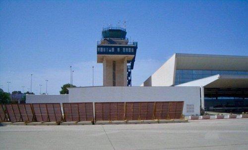 Torre del aeropuerto de Almería
