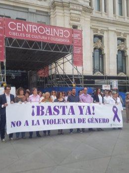 Manifestación en el Ayuntamiento contra la violencia de género