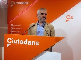 """Cs considera """"una tomadura de pelo"""" la reunión de Puigdemont y partidos sobre el referéndum"""