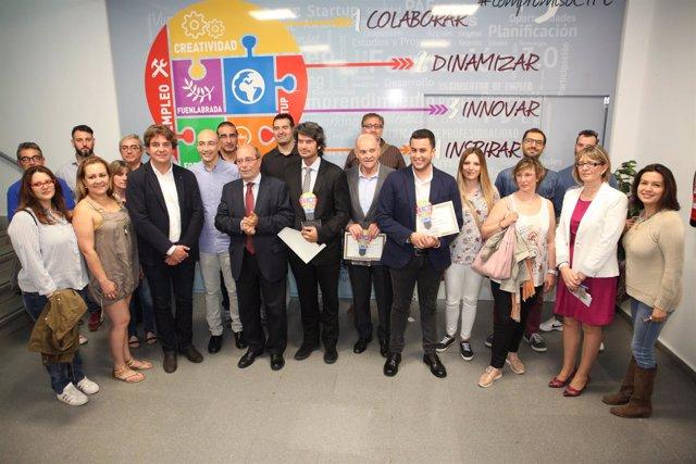 Alcalde de Fuenlabrada con emprendedores
