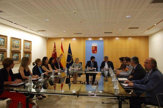 Fernando López Miras se reúne con la Mesa del Tercer Sector