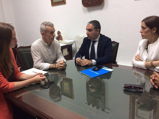 Bendodo y Bravo reunidos con alcalde de Campillos Francisco Guerrero agua tuberí