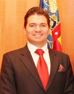 El excónsul absuelto, Gustavo Schiavo