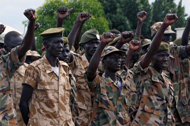 Soldados de Sudán del Sur durante el aniversario del SPLA