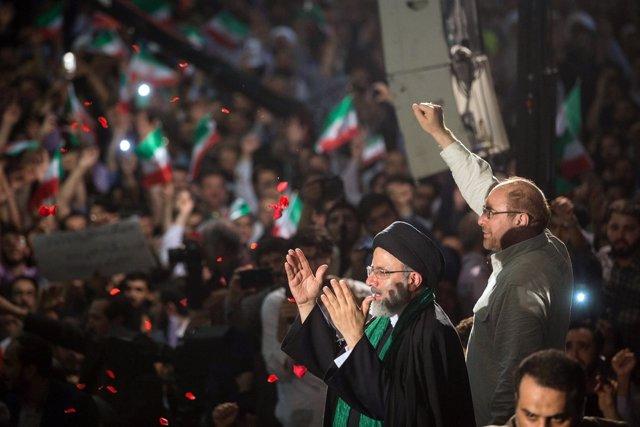 Ebrahim Raisi durante un acto de la campaña electoral en Irán