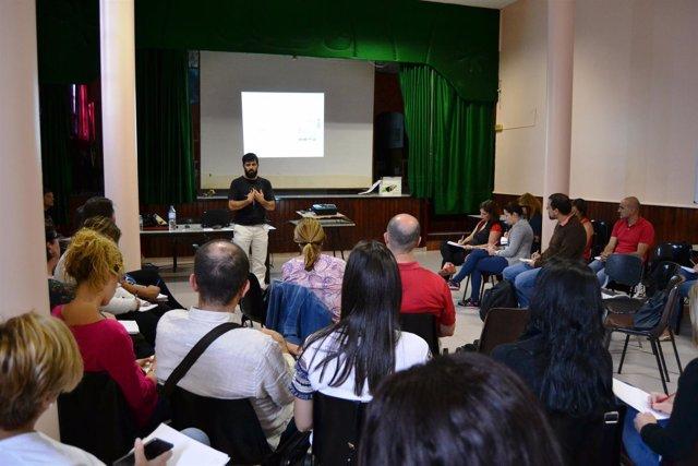 Nota De Prensa Y Fotografía: Barrios Por El Empleo Crowdfundingpr