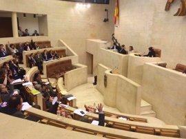 Luz verde del Pleno del Parlamento a la solución del PP para PGOUs anulados