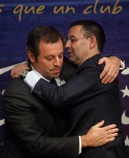 Bartomeu se abraza con Rosell en su última rueda de prensa como presidente