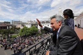 """Lenín Moreno asegura que Assange es un """"hacker"""" pero puede quedarse en la Embajada de Londres"""