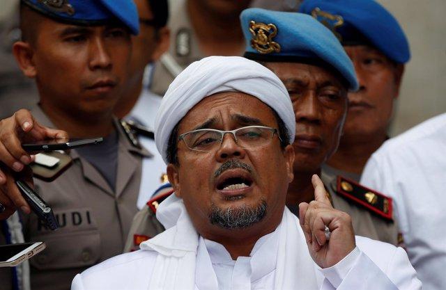 El político islamista indonesio Habib Rizieq