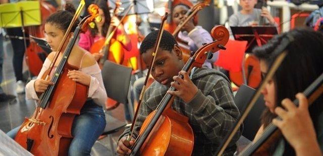 Orquesta 4cordes (Musicop)