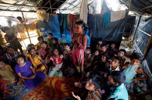Niños refugiados rohingya en Bangladesh
