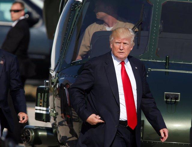Trump en la base aérea de Sigonella, en Sicilia (Italia), tras la cumbre del G7