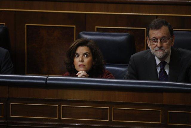 Soraya Sáenz de Santamaría y Mariano Rajoy en el Congreso