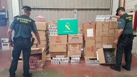 Dos detenidos por contrabando de tabaco y 18.000 cajetillas decomisadas