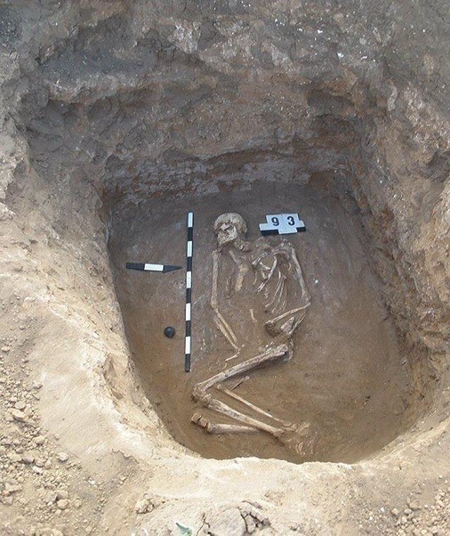 Enterramiento de la cultura de tumbas yamna