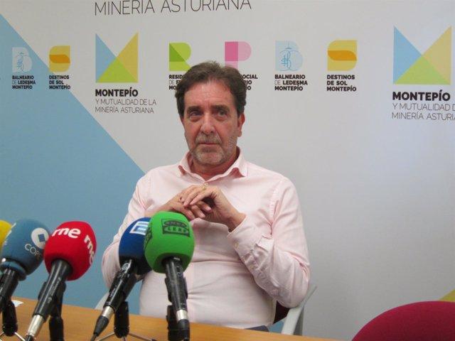 Presidente del Montepío y Mutualidad de la Minería Juan José González