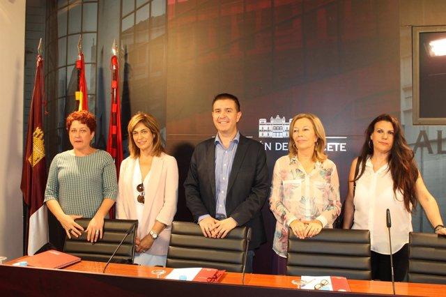 Nota+Foto: Convenio Colectivo Servicios Sociales