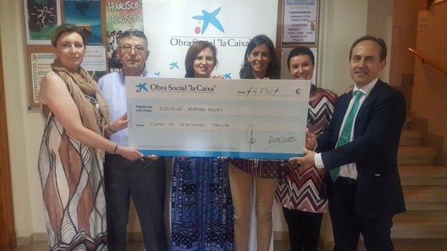 La Caixa colabora con la Asociación Hermano Mundo en el barrio de Torrero