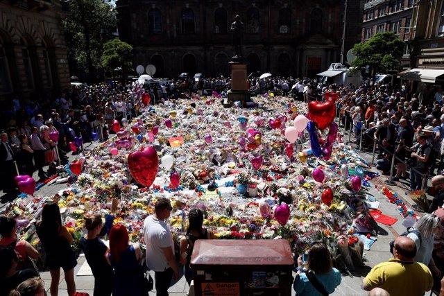 Homenaje a las víctimas del atentado de Mánchester