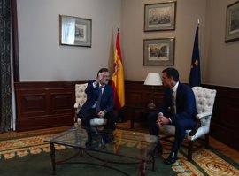 """Pedro Sánchez celebra que Rajoy tenga que declarar en persona por la 'Gürtel': """"No todo iba a ser vía plasma"""""""