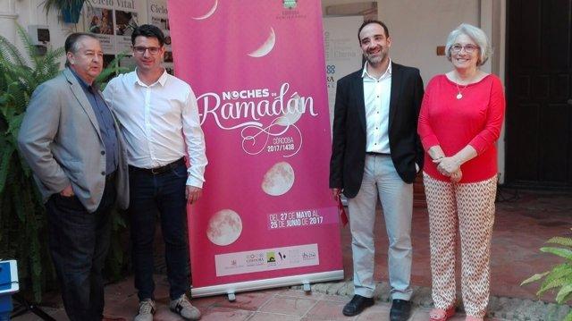 García (2º izda.), Rosón (centro) y Romero (dcha.)