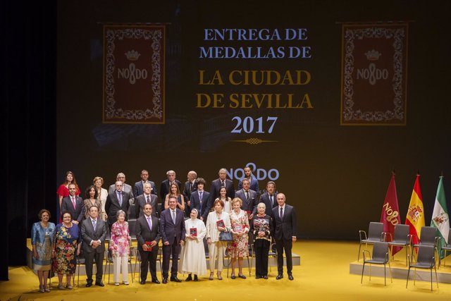 Sevilla 30/05/2017 El Alcalde De Sevilla, Juan Espadas, Preside El Acto Instituc